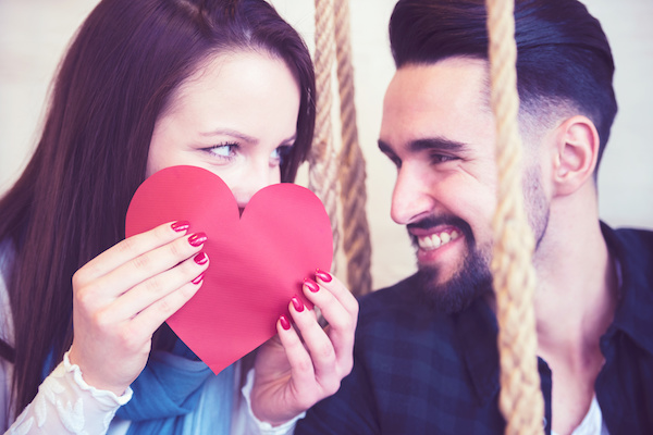 Types of Tooth Whitening for Your Valentine's Day